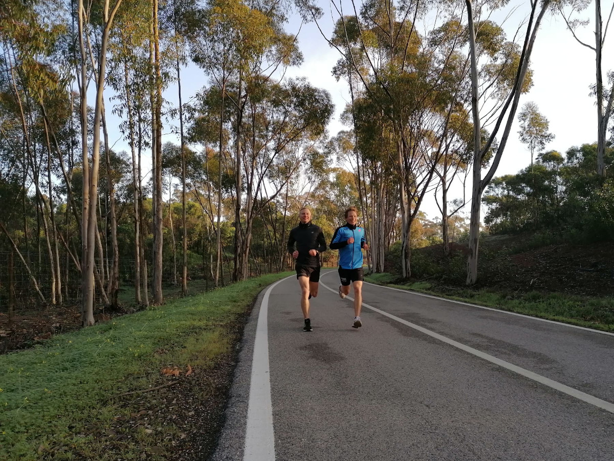 Patrik Wägeli und Adrian Lehmann im Eukalyptuswald